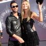Adam Levine és Behati Prinsloo a Video Music Awardson